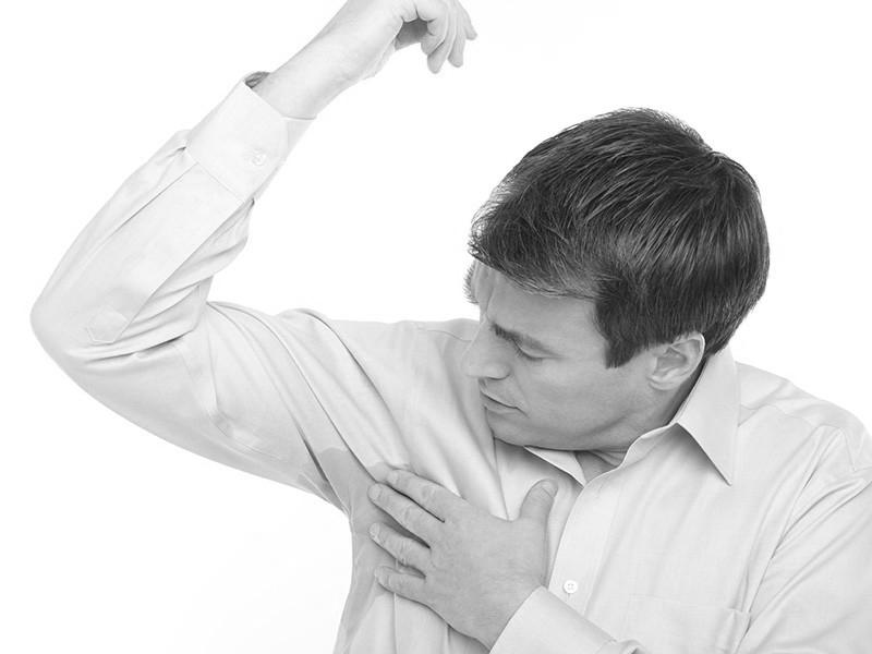 Sudorazione eccessiva, elimina l'imbarazzo con la strategia del botulino